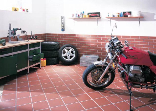 Керамическая плитка для пола в гараже: за и против
