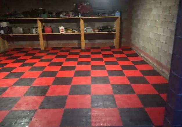 Укладка поливинилхлоридных полов в гараже, складе, производстве или любом другом помещении?
